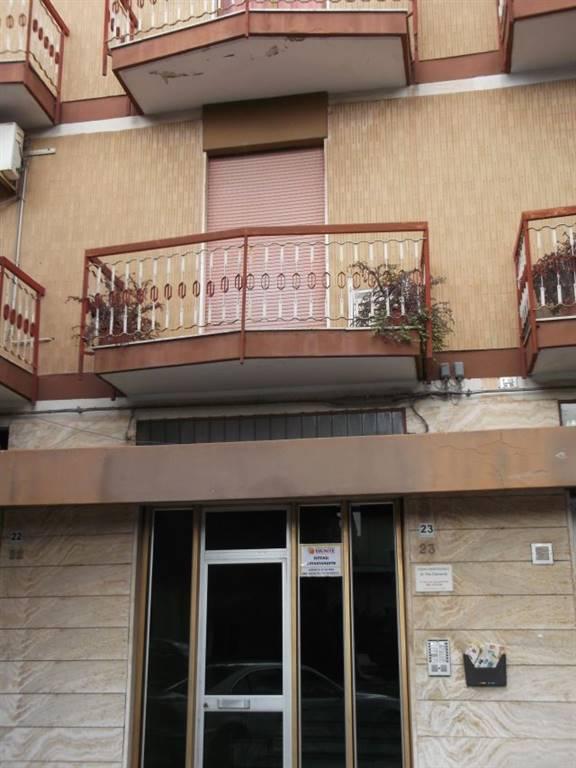 Appartamento in affitto a Adelfia, 3 locali, zona Zona: Canneto, prezzo € 400 | CambioCasa.it