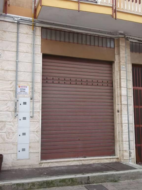 Immobile Commerciale in affitto a Adelfia, 1 locali, zona Zona: Canneto, prezzo € 350 | CambioCasa.it