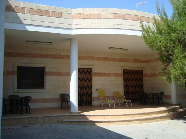 Villa in vendita a Manduria, 4 locali, zona Zona: San Pietro in Bevagna, prezzo € 200.000 | CambioCasa.it