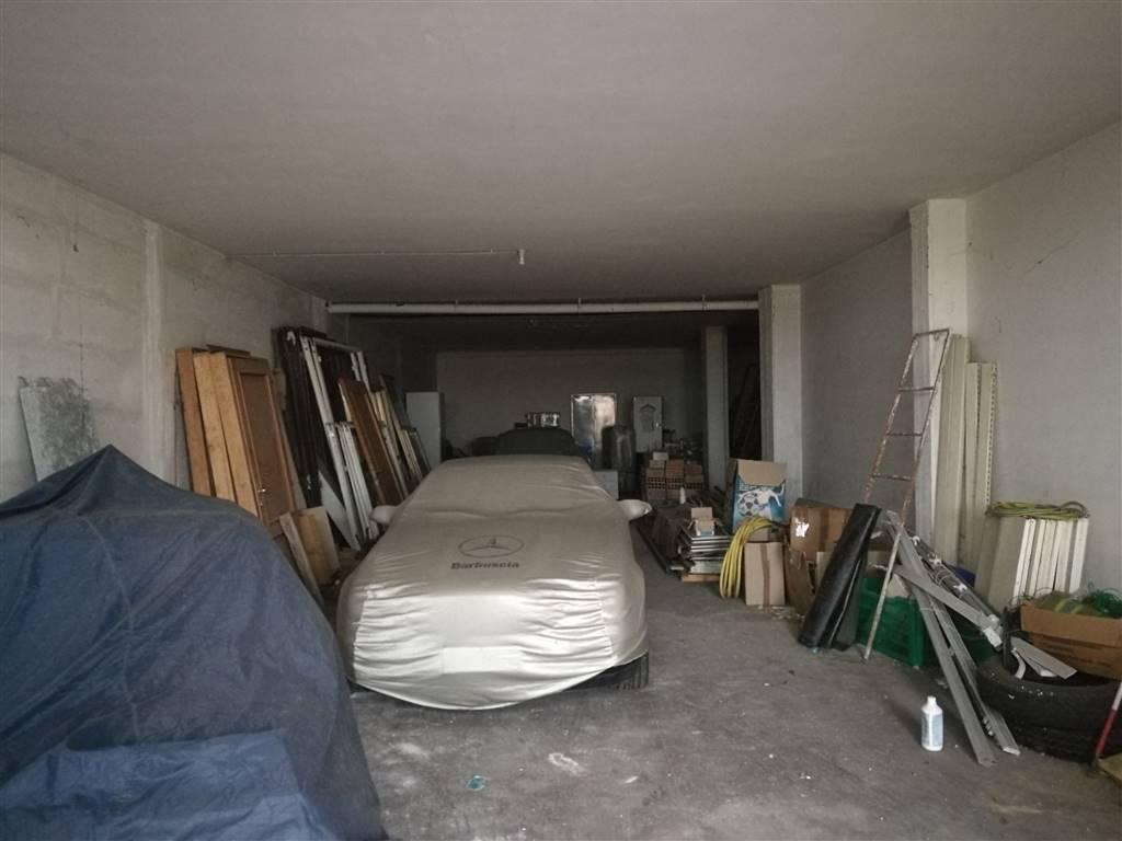 magazzino-deposito  in Affitto a San Giovanni Teatino