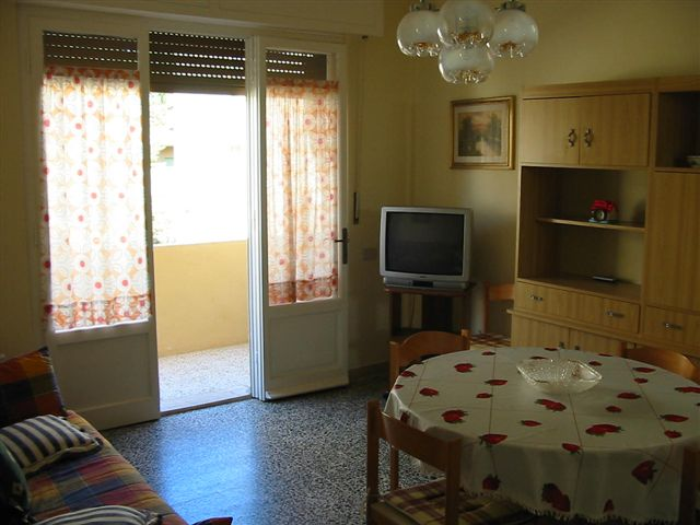 Appartamento in affitto a Castagneto Carducci, 2 locali, zona Zona: Marina di Castagneto Carducci, prezzo € 600 | Cambio Casa.it