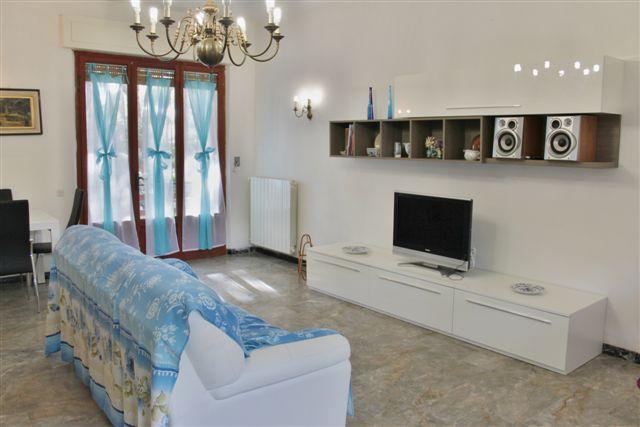 Appartamento in affitto a Castagneto Carducci, 5 locali, zona Zona: Marina di Castagneto Carducci, prezzo € 550 | Cambio Casa.it