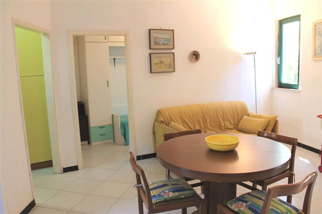 Appartamento in affitto a Castagneto Carducci, 4 locali, zona Zona: Marina di Castagneto Carducci, prezzo € 390 | Cambio Casa.it