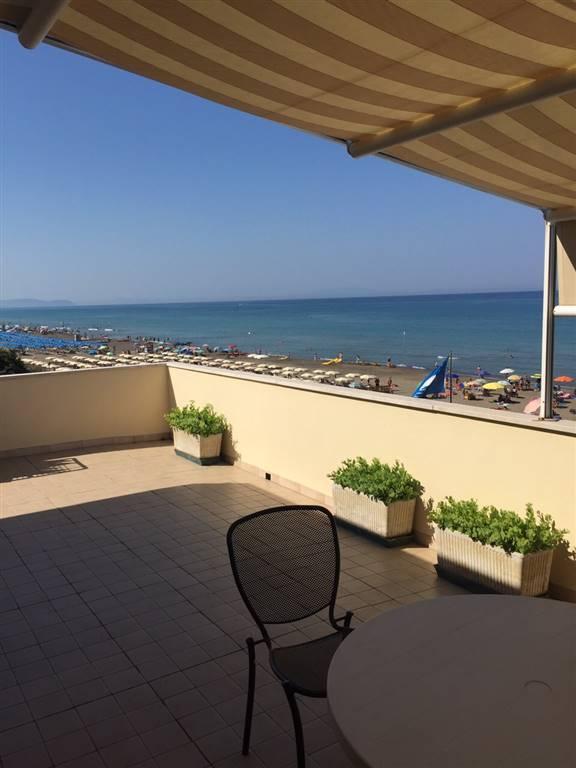 Appartamento in affitto a Castagneto Carducci, 3 locali, zona Zona: Marina di Castagneto Donoratico, prezzo € 500 | Cambio Casa.it