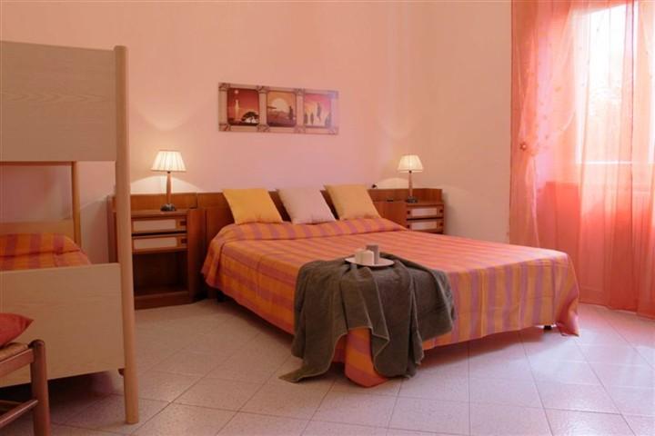 Appartamento in affitto a Castagneto Carducci, 2 locali, zona Zona: Marina di Castagneto Carducci, prezzo € 250 | Cambio Casa.it