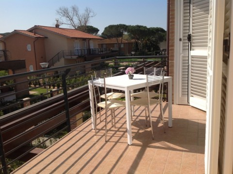 Appartamento in affitto a Castagneto Carducci, 3 locali, zona Zona: Marina di Castagneto Carducci, prezzo € 360 | Cambio Casa.it