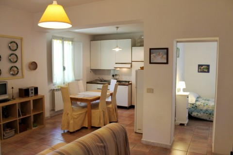 Appartamento in affitto a Castagneto Carducci, 3 locali, zona Zona: Donoratico, prezzo € 350 | Cambio Casa.it
