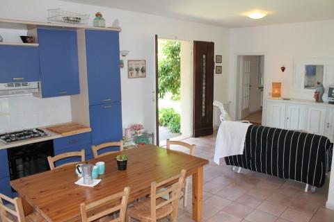Villa in affitto a Castagneto Carducci, 3 locali, zona Zona: Donoratico, prezzo € 475 | Cambio Casa.it
