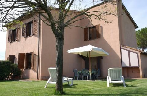 Appartamento in affitto a Castagneto Carducci, 2 locali, zona Zona: Bolgheri, prezzo € 330 | Cambio Casa.it