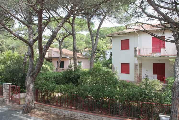 Soluzione Indipendente in vendita a Castagneto Carducci, 4 locali, zona Zona: Marina di Castagneto Carducci, Trattative riservate | Cambio Casa.it