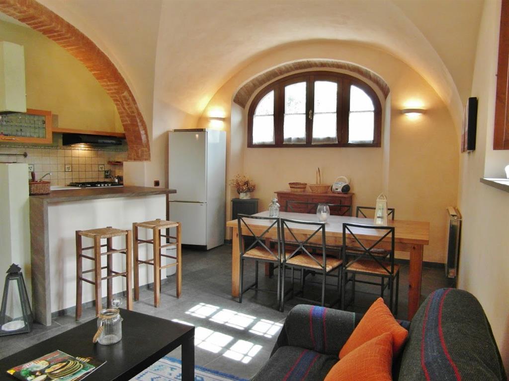 Appartamento in affitto a Campiglia Marittima, 4 locali, Trattative riservate | Cambio Casa.it