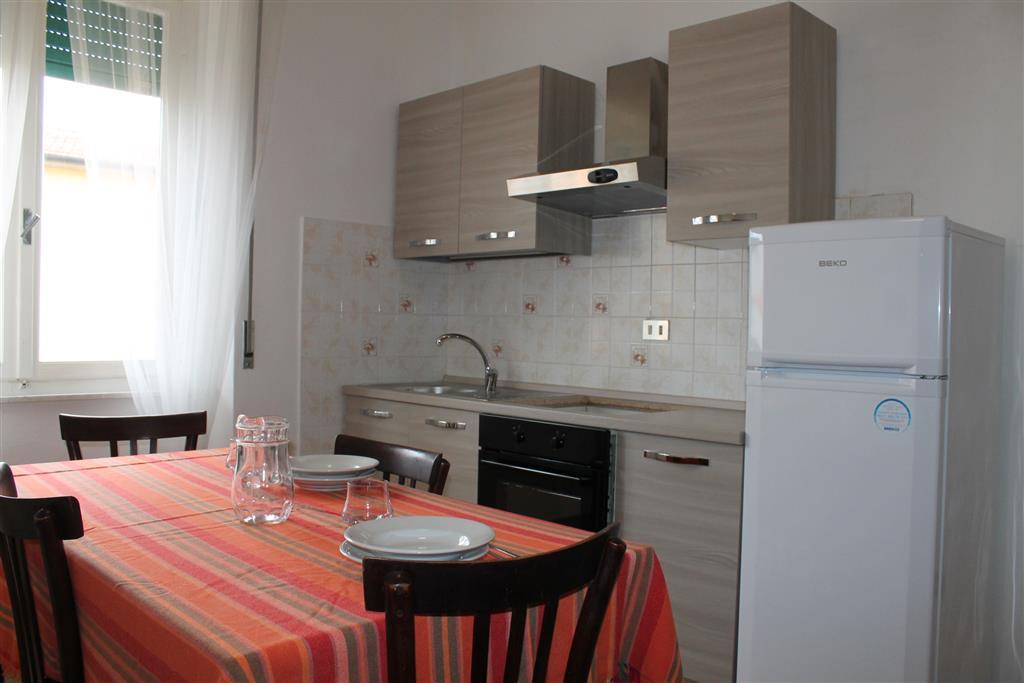 Appartamento in affitto a Castagneto Carducci, 2 locali, zona Zona: Marina di Castagneto Carducci, prezzo € 285 | Cambio Casa.it