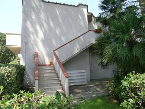 Appartamento in affitto a Castagneto Carducci, 3 locali, zona Zona: Marina di Castagneto Donoratico, prezzo € 305 | Cambio Casa.it