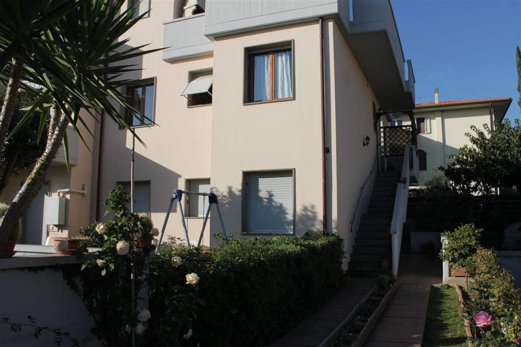 Appartamento in vendita a Castagneto Carducci, 3 locali, zona Zona: Donoratico, prezzo € 145.000   Cambio Casa.it