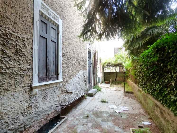 Villa ingresso laterale
