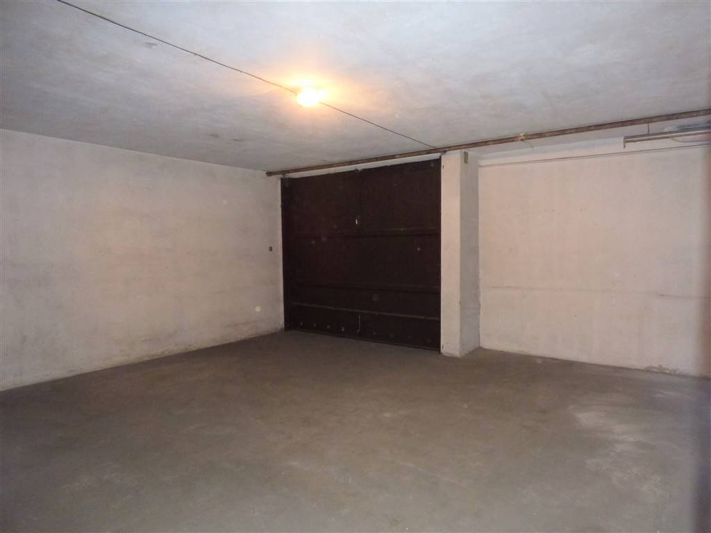 Garage/magazzino del negozio 2