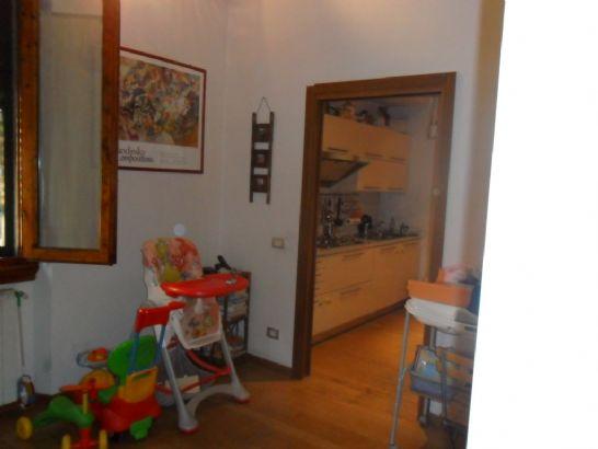 Soluzione Indipendente in vendita a Sesto Fiorentino, 4 locali, zona Località: CENTRO, prezzo € 195.000   Cambio Casa.it