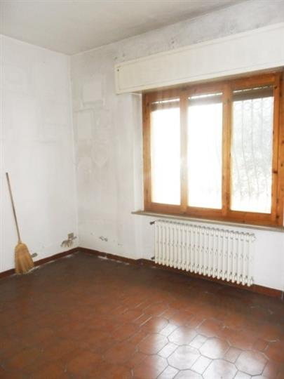 Villa in vendita a Calenzano, 6 locali, zona Località: CENTRO, prezzo € 420.000 | Cambio Casa.it