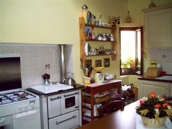 Appartamento in vendita a Barberino di Mugello, 4 locali, prezzo € 139.000   Cambio Casa.it
