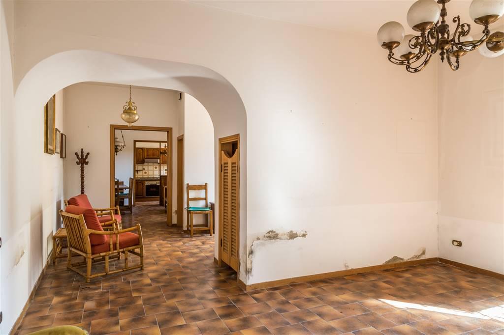 Soluzione Indipendente in vendita a Sesto Fiorentino, 6 locali, zona Località: CENTRO, prezzo € 450.000   Cambio Casa.it