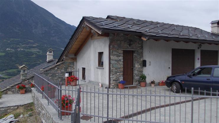 Villa in vendita a Quart, 8 locali, prezzo € 390.000 | Cambio Casa.it