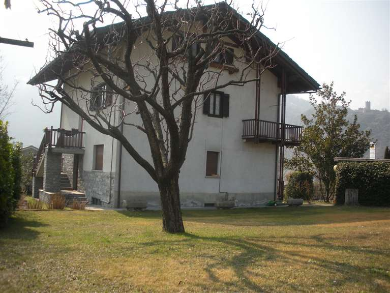 Villa in vendita a Saint-Pierre, 9 locali, prezzo € 650.000 | CambioCasa.it