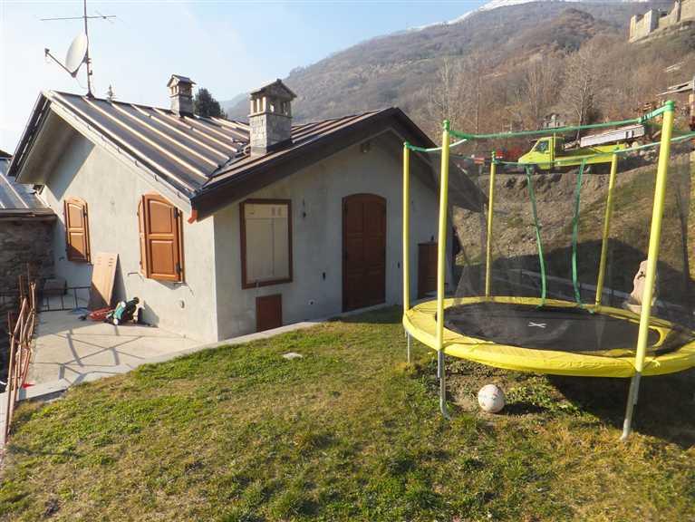 Villa in vendita a Quart, 5 locali, zona Zona: Villair, prezzo € 420.000 | Cambio Casa.it