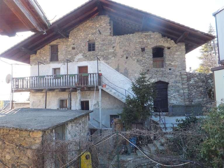 Rustico / Casale in vendita a Quart, 8 locali, zona Zona: Villair, prezzo € 250.000 | Cambio Casa.it