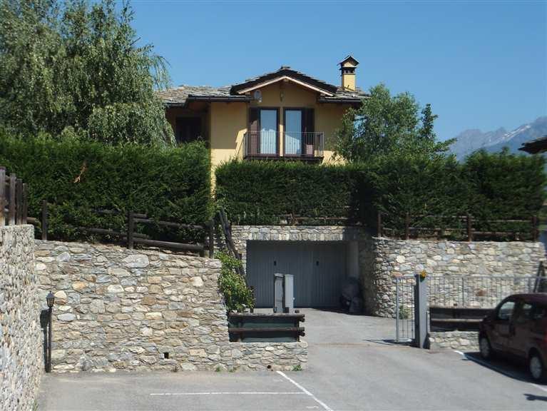 Villa in vendita a Quart, 5 locali, zona Zona: Villair, prezzo € 650.000 | Cambio Casa.it