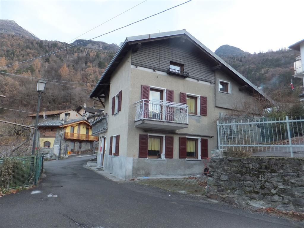 Villa in Vendita a Pollein