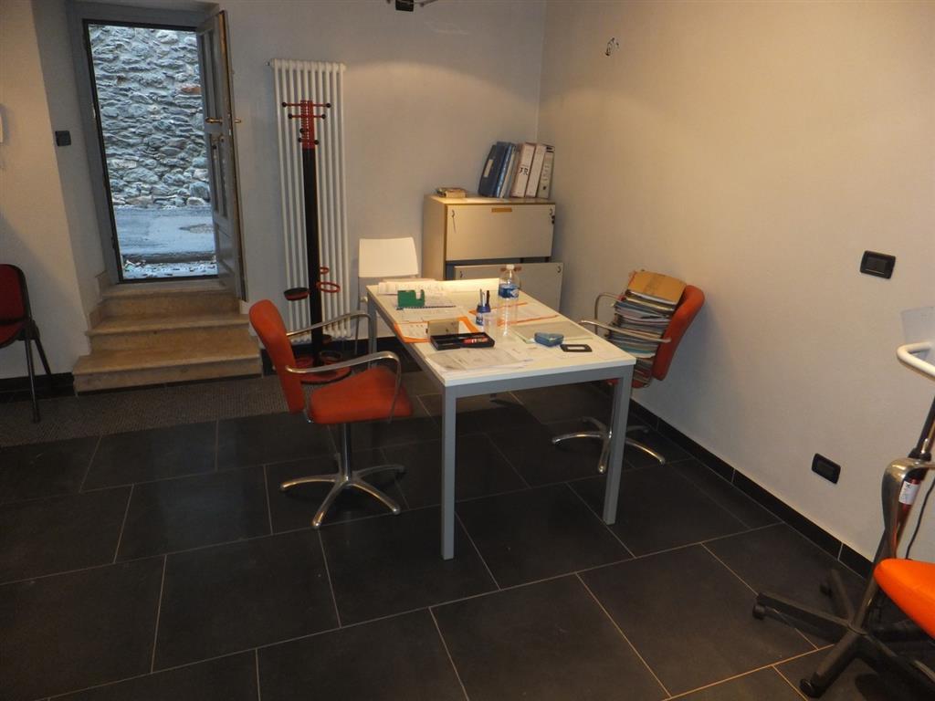 Ufficio / Studio in vendita a Aosta, 9999 locali, zona Zona: Centro, prezzo € 79.000 | CambioCasa.it