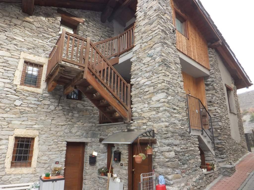 Appartamento in vendita a Gressan, 4 locali, prezzo € 155.000 | CambioCasa.it