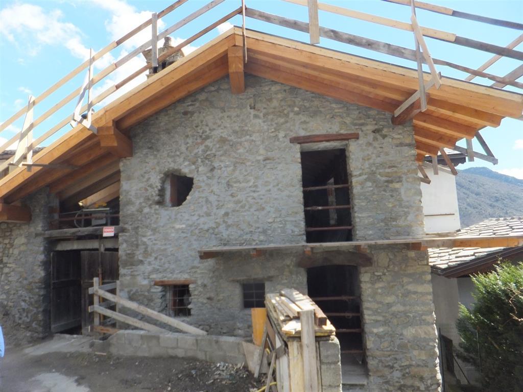 Villa in vendita a Gignod, 5 locali, prezzo € 120.000 | CambioCasa.it