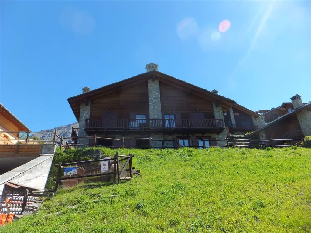 Soluzione Indipendente in vendita a Cogne, 3 locali, zona Zona: Gimillan, prezzo € 220.000 | Cambio Casa.it