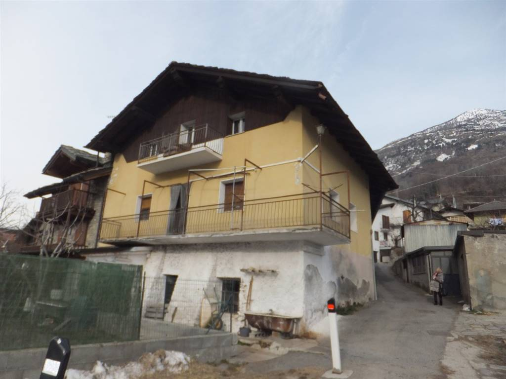 Soluzione Indipendente in vendita a Quart, 4 locali, zona Località: SERAN, prezzo € 75.000 | CambioCasa.it