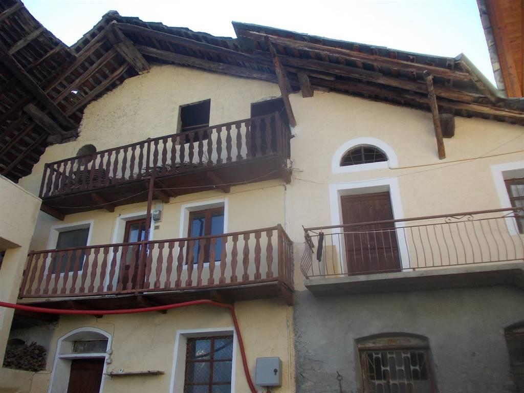 Rustico / Casale in vendita a Gignod, 5 locali, prezzo € 45.000 | Cambio Casa.it