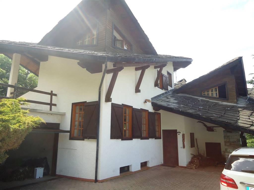 Villa in vendita a Brissogne, 6 locali, zona Località: GRAND BRISSOGNE, prezzo € 349.000 | CambioCasa.it