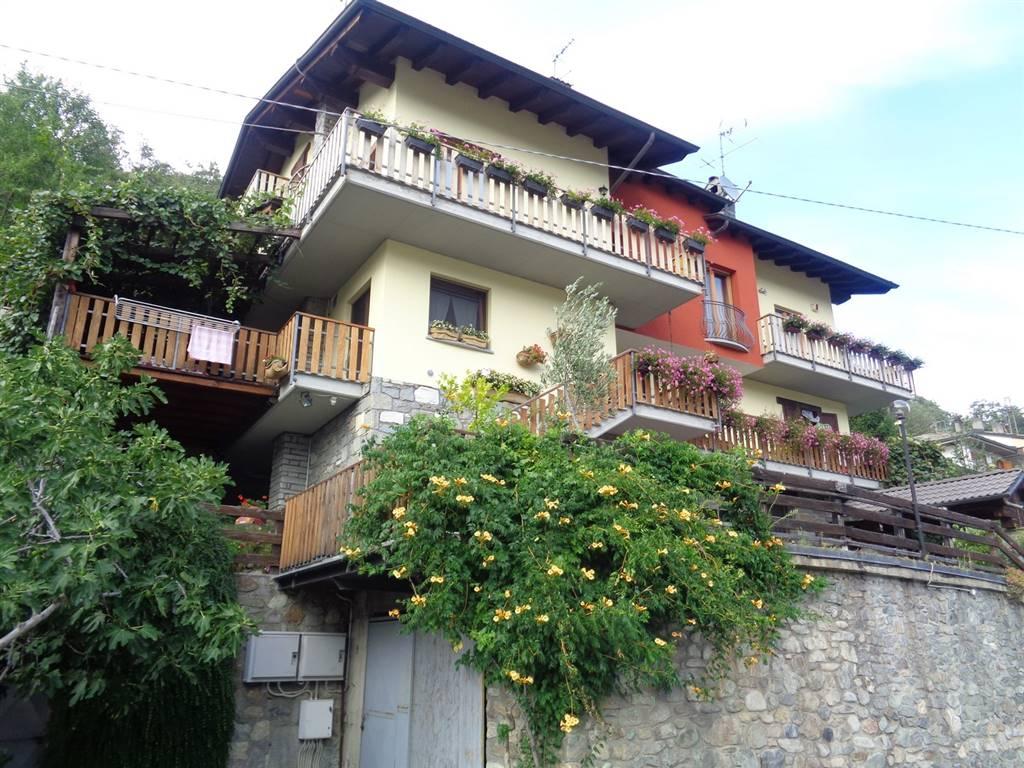Soluzione Indipendente in vendita a Aosta, 6 locali, zona Zona: Zona collinare, prezzo € 359.000 | Cambio Casa.it