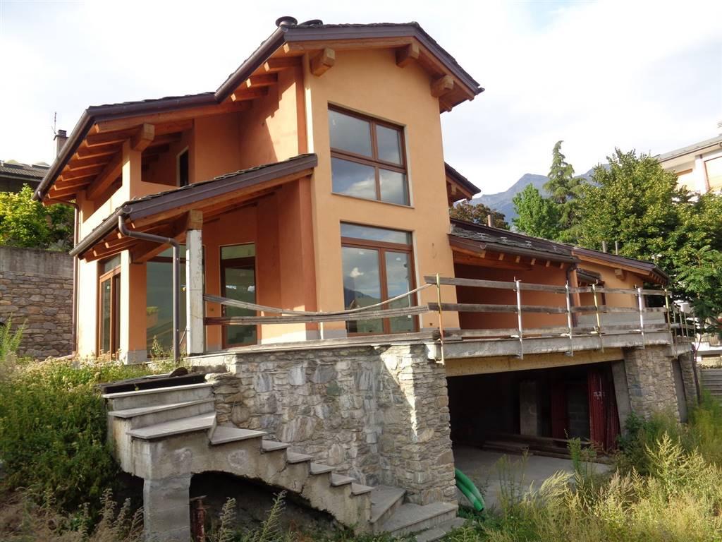 Villa in vendita a Aosta, 4 locali, prezzo € 430.000 | Cambio Casa.it