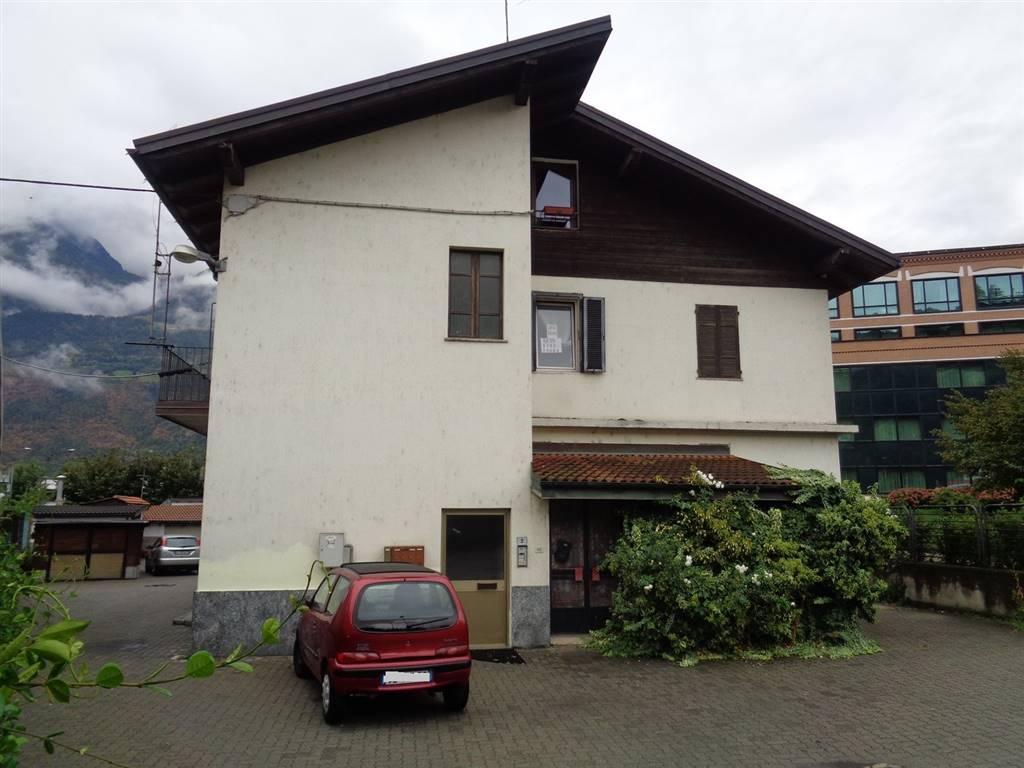 Soluzione Indipendente in vendita a Aosta, 3 locali, zona Zona: Semicentro, prezzo € 175.000 | Cambio Casa.it