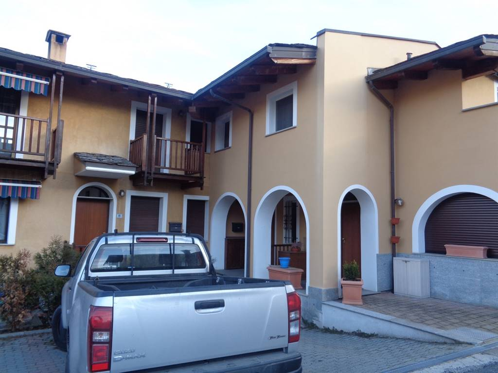 Soluzione Indipendente in vendita a Gressan, 5 locali, prezzo € 235.000 | Cambio Casa.it