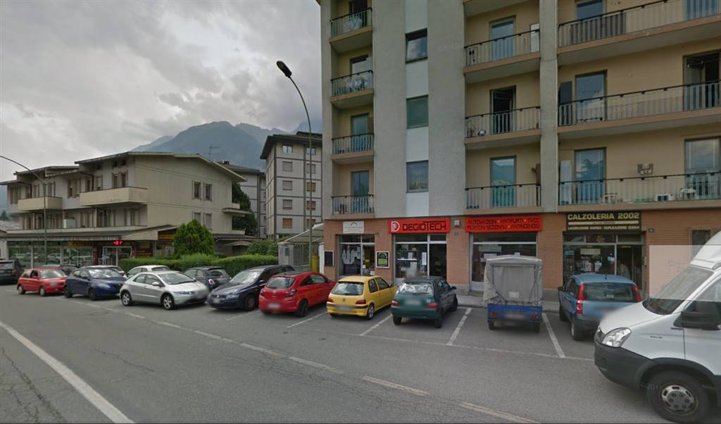 Negozio / Locale in vendita a Aosta, 1 locali, prezzo € 130.000 | CambioCasa.it