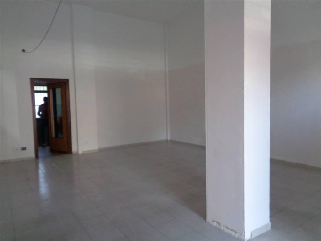 Negozio / Locale in vendita a Aosta, 3 locali, prezzo € 110.000 | CambioCasa.it