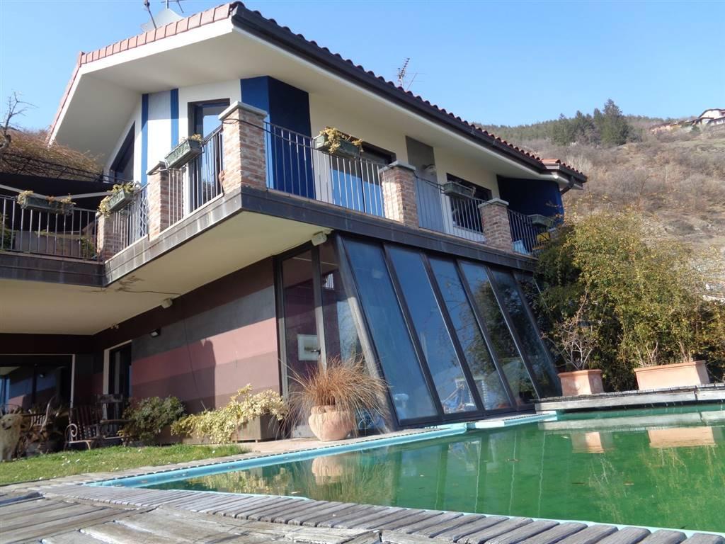 Villa in vendita a Aosta, 5 locali, zona Zona: Zona collinare, prezzo € 690.000 | CambioCasa.it