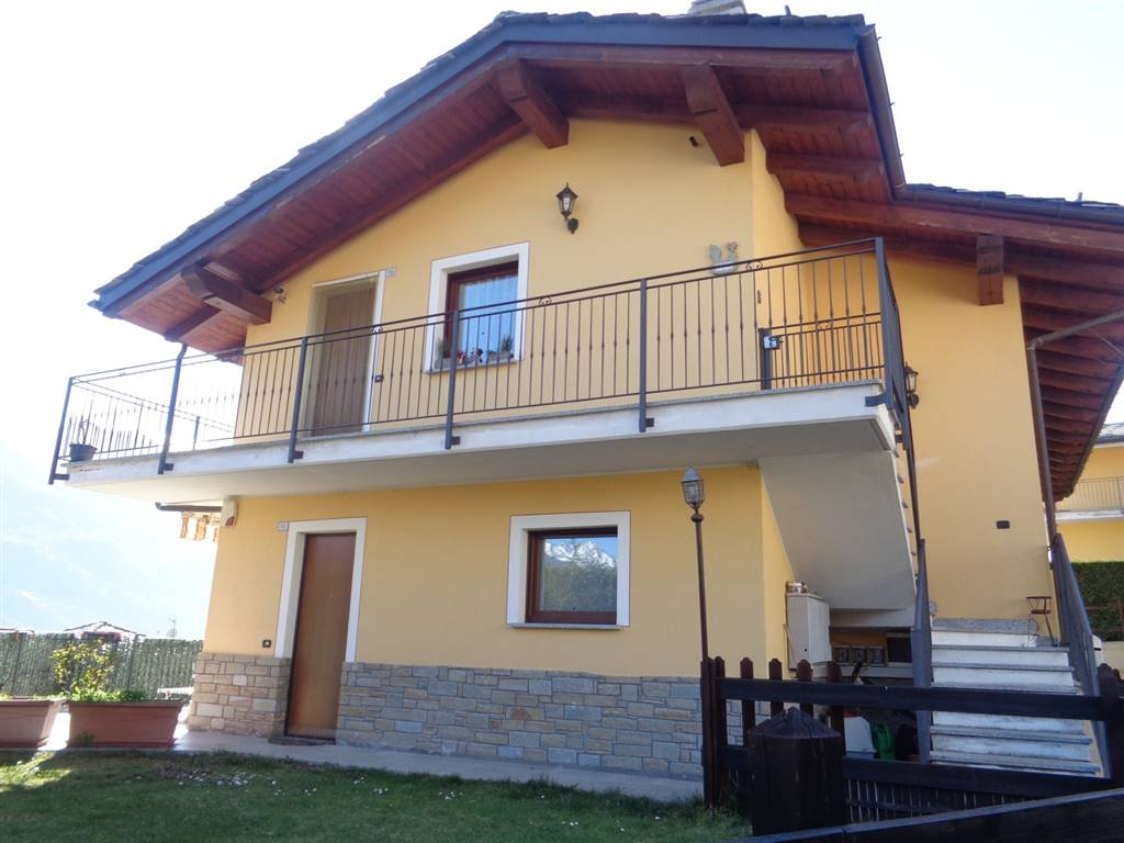 Soluzione Indipendente in vendita a Quart, 3 locali, prezzo € 250.000 | Cambio Casa.it