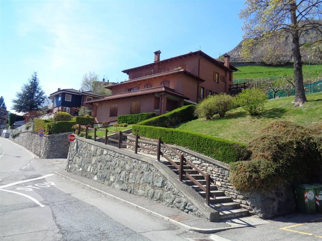 Soluzione Indipendente in vendita a Aosta, 2 locali, zona Zona: Zona collinare, prezzo € 130.000 | CambioCasa.it