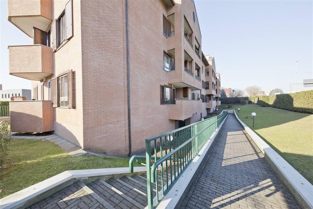 Appartamento in Vendita a Monza: 4 locali, 110 mq
