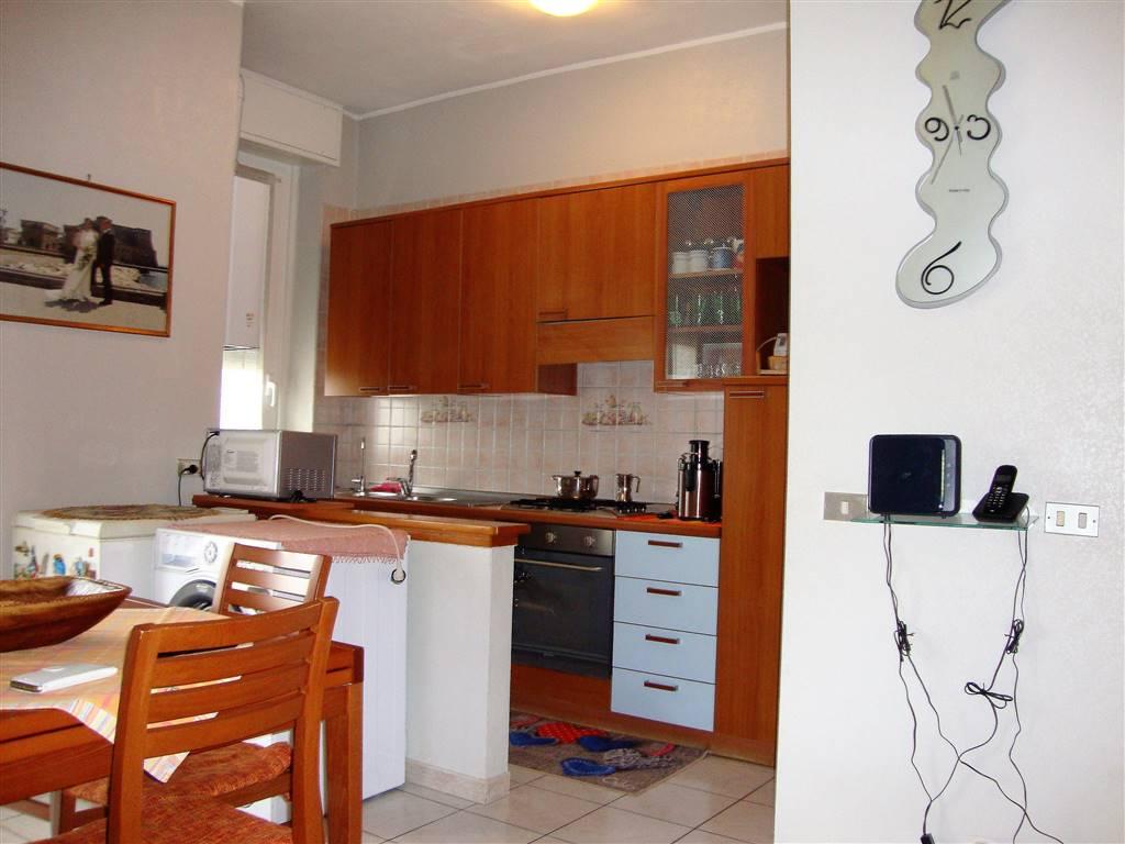 Appartamento in Vendita a Monza: 2 locali, 60 mq