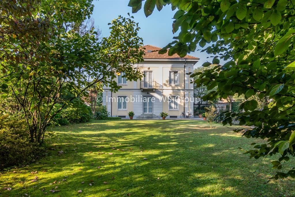 Villa in Vendita a Monza: 5 locali, 620 mq