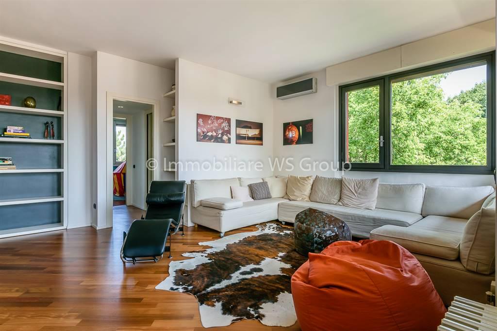 Appartamento in Vendita a Vedano Al Lambro: 5 locali, 210 mq